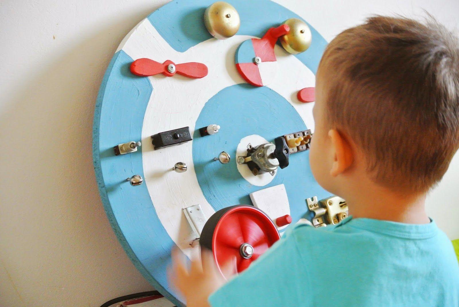 """busy board for two year old aviation theme 忙板 ビジーボード """"幼児学習ボード 幼児ビジーボード 赤ちゃんの細かい運動能力を練習するための多機能教育玩具、それにより、赤ちゃんはより良い手と目の調整を行うことができます """" 바쁜 보드"""