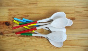 Painted wooden spoons. My way.