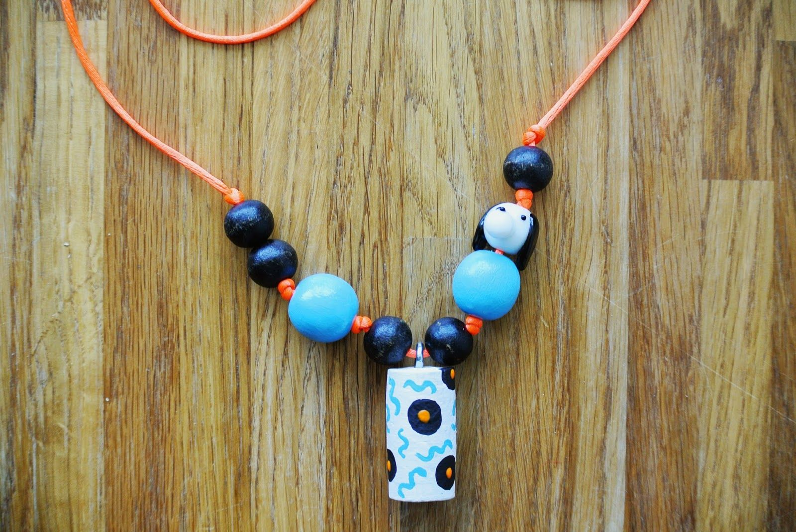 DIY kid necklace simple project kids activity crafts