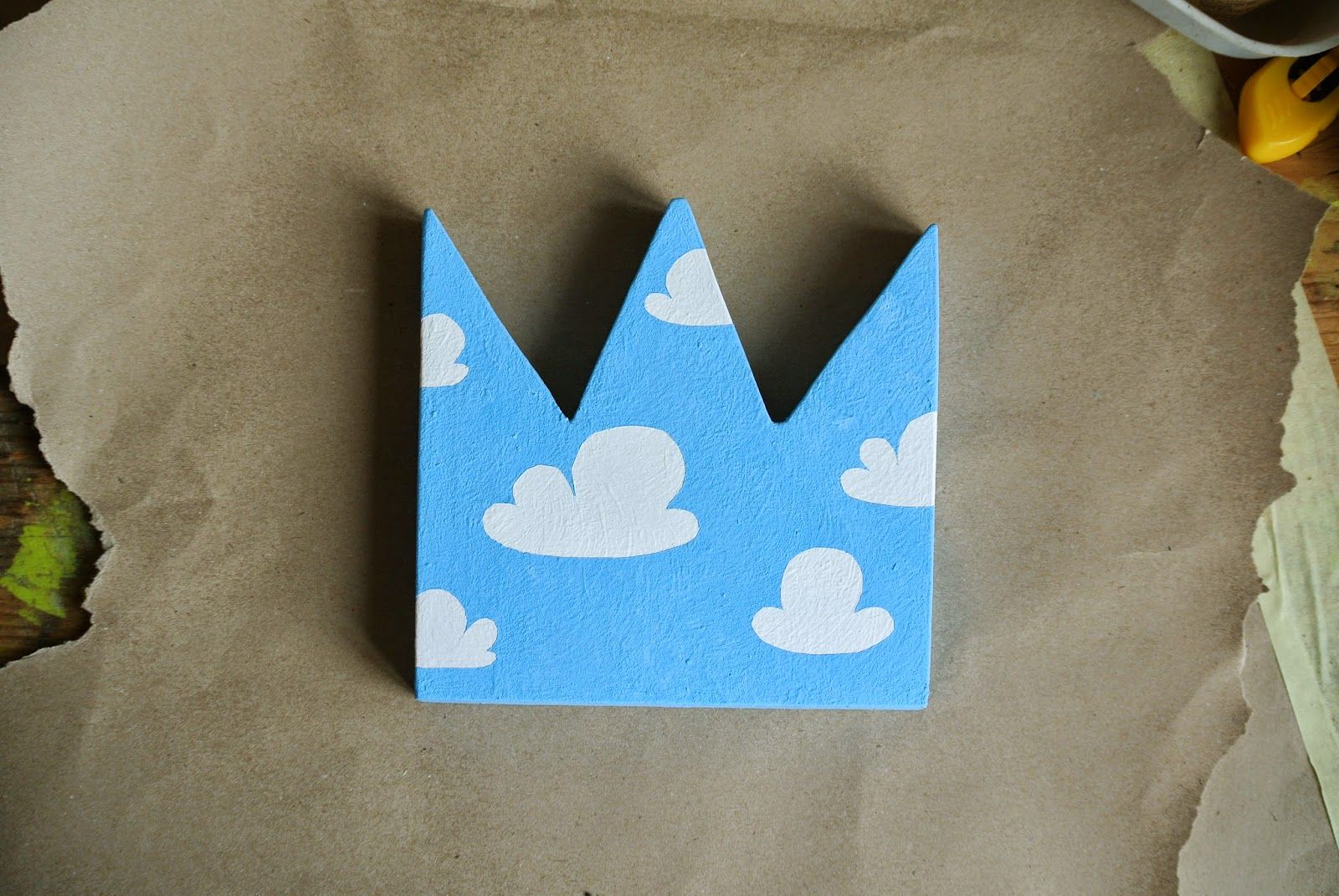 DIY wooden crown nursery decor clouds gender-neutral interior playroom pattern